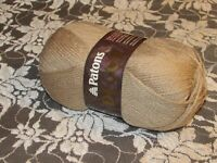 NEW PATONS DECOR Taupe Light Brown Yarn 100g Acrylic Wool Made in Canada 1631