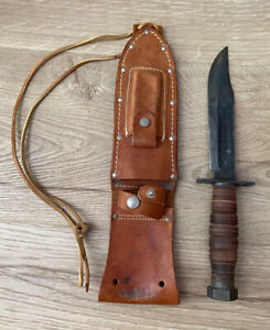 Vintage Hunting Knife Marked CAMILLUS N. Y. Military? w/ Leather Sheath