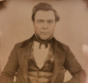 ANTIQUE VINTAGE AMERICAN MENS FASHION SILK VEST HAIRSTYLE DANDY AMBROTYPE PHOTO