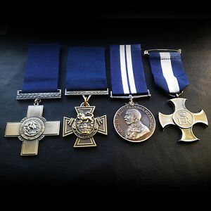 Navy Medals Military Group Set DSC , Victoria Cross , George Cross & DSM Repro