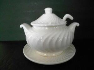 VTG WHITE CERAMIC SOUP TUREEN WITH LADLE & UNDERPLATE