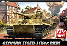 Academy 13287 German Tiger-Ⅰ [Ver.MID] 1/35 Academy Model Toy Amor Tank New