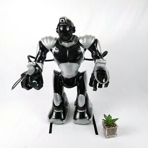 "21"" Wow Wee Robosapien V2 Robot Black & Silver no remote - Works."