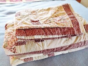 """Patchwork Quilt with 2 Matching Pillow Shams, 86"""" by 86"""", Full / Double Bed Size"""
