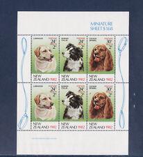 Nouvelle Zélande    bloc  chien  1982