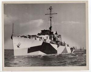 1945 Frigate PF-101 USS Greensboro in Dazzle Camouflage Original News Photo