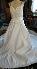 NEW ♡ #9  ♡ WHITE  WEDDING GOWN DRESS ♡ LONG TRAIN ♡ BEAUTIFUL ♡ SIZE 16