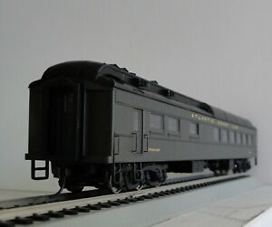 Walthers 932-10167 Heavyweight Diner Car Atlantic Coast Line w/ interior ACL