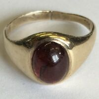 Solid 9ct Yellow Gold Hallmarked Men's Garnet Cabochon Signet Ring Size N
