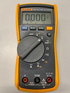 *** FLUKE 115 Multimeter True RMS CAT III 600V 1A-Zustand mit Zubehör ***