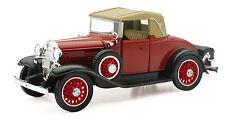 Chevrolet 1931 Chevy Sport Cabriolet 1:3 2 Von NewRay Die-Cast Model