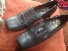 👠K Softees Clarks SIZE 6.5-40 Wider NAVY BLUE LEATHER SLIP ON COURT SHOES👠 VGC