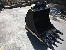 "New 30"" Link Belt 80 Heavy Duty Excavator Bucket with Coupler Pins"