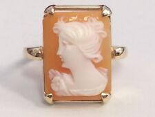 Cameo ring 10kt yellow gold OG830