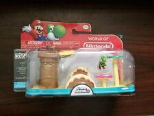 World of Nintendo Mario Figures Micro Land Playset Yoshi + Layer Cake Desert