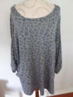 NEW DIRECTIONS Curvy Gray Animal Print Round Neck 3/4 Sleeve Top Size3X