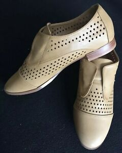 KHOKO Suzi Perforated Slip On Loafers Ladies US8 Tan/Natural Near-New Condition