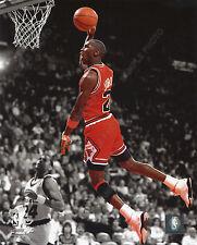 MICHAEL JORDAN DUNK 1990 CHICAGO BULLS 8X10 ACTION SPOTLIGHT PHOTO