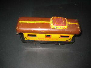 """MARX TIN PLATE LITHO 6"""" FOUR WHEEL YELLOW/BROWN  UNION PACIFIC CABOOSE # 3824"""