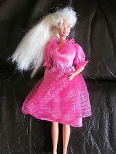 VINTAGE lungo i capelli bianchi rosa dress 50s Stile BARBIE agli earrings1966