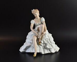 Wallendorf Tänzerin Ballerina sitzend Porzellanfigur Thüringen