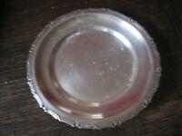 dekorativer Silberteller Teller kleines Tablett mit Schleifen silber pl England