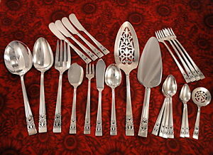 Community CORONATION CHOICE Serving Place Pieces 1936 Vintage Silverplate Oneida