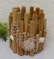 Markenlose Deko-Windlichter aus Holz