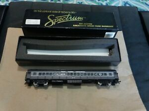 Bachmann Spectrum HO Scale New York Central Coach Car #964 Item# 89105 with box