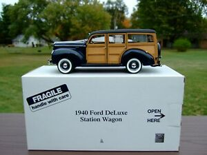 Danbury Mint 1/24th Scale 1940 Ford Deluxe Wagon-PAPERS & BOX-VERY VERY NICE-