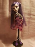 2 Monster high spectra vondergeist dolls
