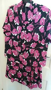 """EASTEX  SHORT SLEEVE FLORAL TWO PIECE  SIZE 18 WITH A-LINE SKIRT LENGTH 30"""""""