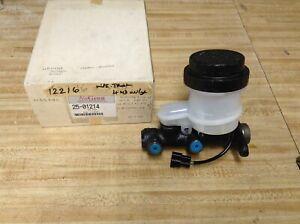 NABCO Master Cylinder MB316369 (Dorman M39640) Dodge D50 Mitsubishi PU 4x4 87-89