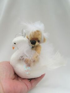 *LITTLE SWAN LAKE WITH SWAN *A CUTE 4 INCH  JOINTED MOHAIR  BEAR*