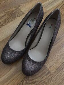 Olsenboye Shoes Glitter Round Toe Pump Heels Size 8 NWOB