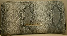 NWT WOMEN'S LEATHER BCBGENERATION  BLACK WHITE SNAKE WALLET ZIP AROUND ALLISON