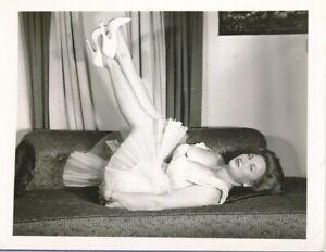 CHERRIE KNIGHT Original 1950s 4 x 5 Buxom Leggy Cheesecake Photo Nightgown vv