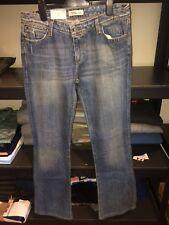 Levi 572 Boot Cut Ladies Jeans. Genuine Size 31x34. New