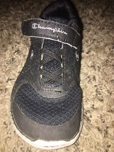 Boys CHAMPION Athletic Tennis Shoes Sneakers Gym Size 8 Youth Kids Black