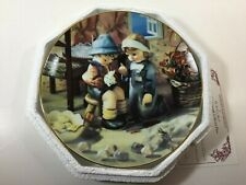 "Danbury Mint Hummel Little Companions ""Tender Loving Care"" Collector Plate 1989"