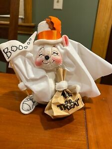 Annalee doll, Adorable Halloween Ghost '94, 7 in. Excellent condition.