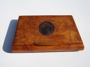 GEORGAIN BURR WALNUT SNUFF BOX WITH COPPER PANEL ON FRONT