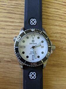 Deep Blue White Luminous Dial diver, 40mm