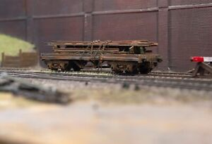 OO gauge abandoned wagon with scrap load, heavily rusted and weathered. Ref 8