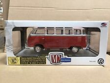 M2 MACHINE 1:24 1960 VOLKSWAGEN MICROBUS DELUXE USA MODEL RUSTED 40300-45A