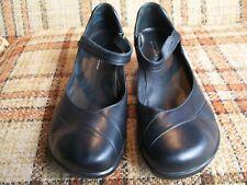 Aravon by New Balance Womens Size 12 AA Black Leather Mary Janes WSM06BK