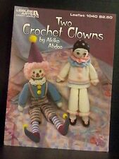 Leisure Arts Two Crochet Clowns Yarn Girl Boy Elf shoes Embroidery VERY CUTE