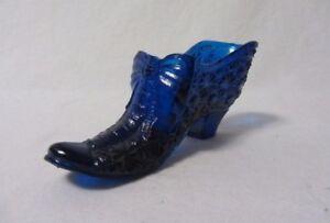 BOYD ART GLASS COBALT BLUE DAISY & BUTTON BOW SLIPPER SHOE