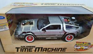 DeLorean Ritorno al Futuro 3 Back to the Future BTTF - Scala 1:24 Die Cast Welly