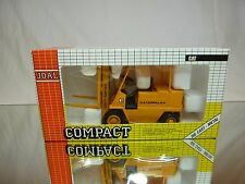 JOAL COMPACT 215 CATERPILLAR ELEVATOR TRUCK SERIES V - YELLOW 1:25 - GOOD IN BOX
